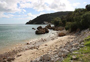 A praia do Portinho da Arrábida pode desaparecer em breve