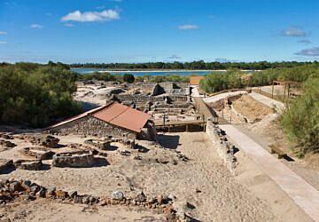 Nesta caminhada vai descobrir os segredos das Ruínas Romanas de Tróia