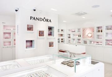 O anel original que se está a destacar no novo catálogo de Natal da Pandora