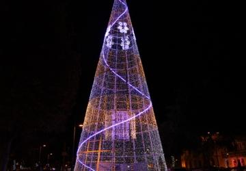 Este ano, pode fazer uma tour pelas iluminações de Natal da cidade