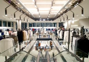 O casaco oversize mais procurado da Zara está 30€ mais barato
