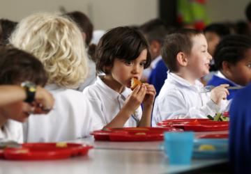 Covid-19: Câmara de Setúbal garante refeições a alunos com apoio escolar