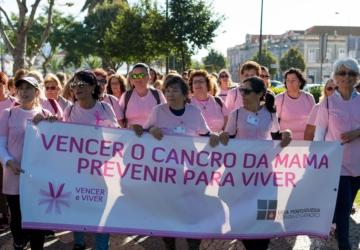 Outubro é mês de caminhar (em pequenos grupos) pela prevenção do cancro da mama
